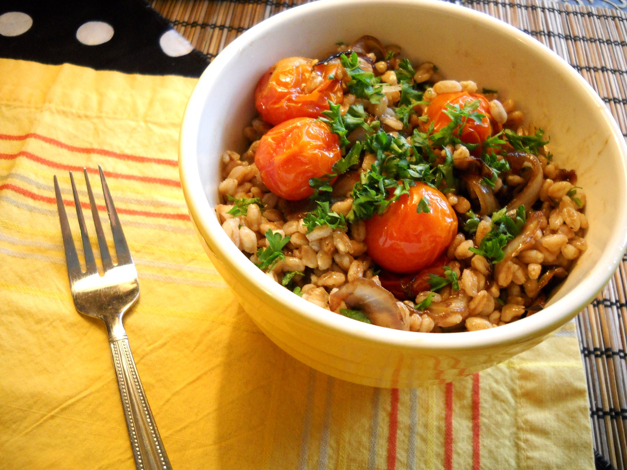 Roasted Tomato and Caramelized Onion Farro Salad (adapted from Joy the ...