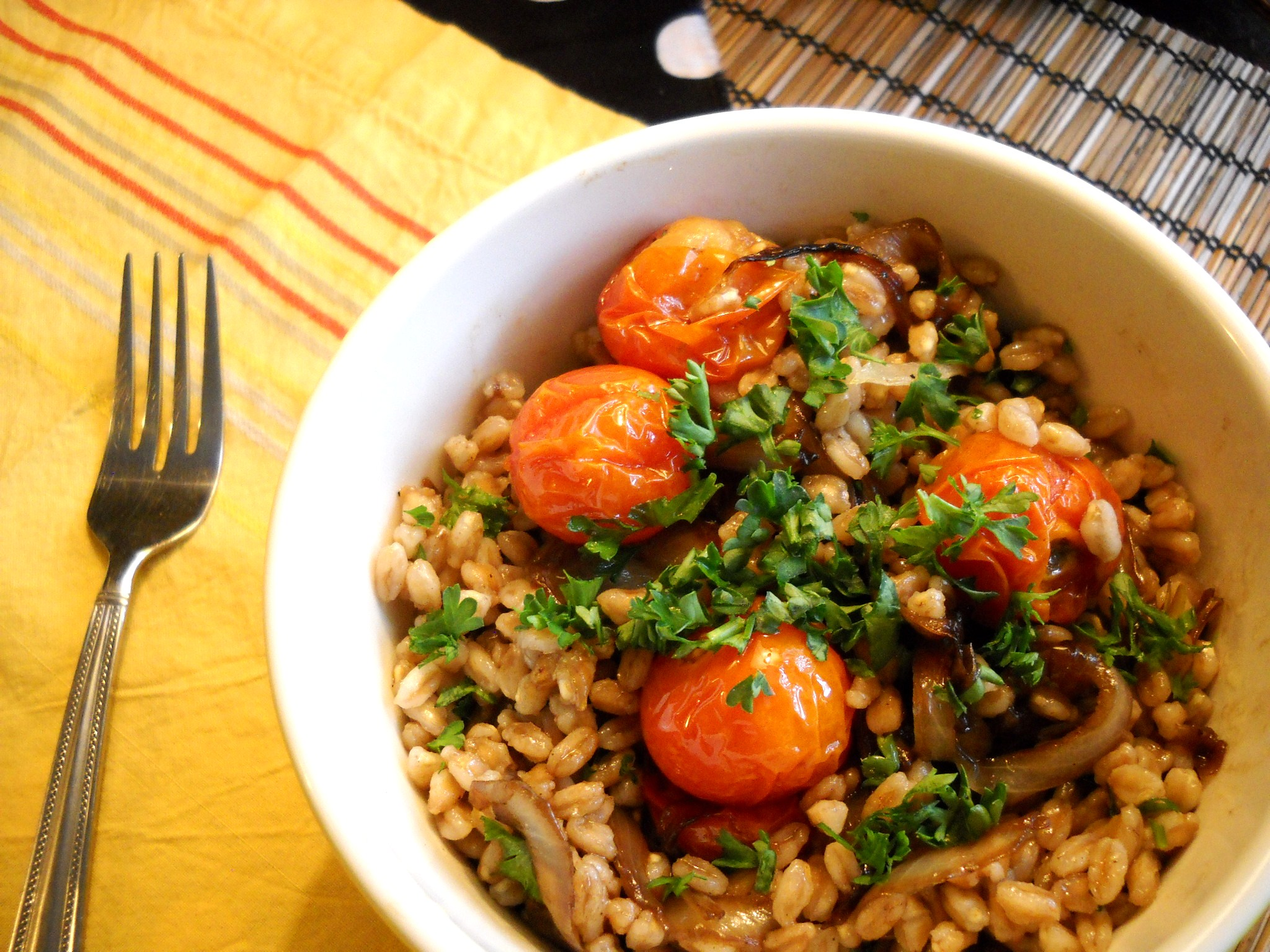 Roasted Tomato and Caramelized Onion Farro Salad | Harvest Fare